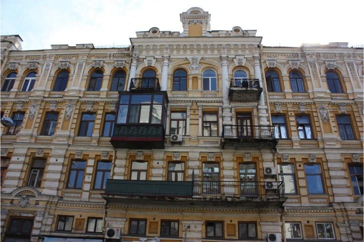 Блог Александра Соколовского: Почему в Европе не уродуют фасады?